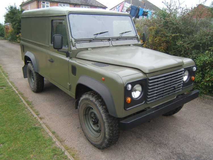 LANDROVER DEFENDER 300 TDI HARD TOP 3